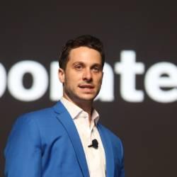 Corporate Bro Ross Pomerantz